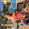 Familj: Dennis & jag framför en av poolerna