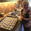 Familj: Hugo bakar maränger