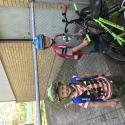 Familj: Pojkarna cyklade till tennisen idag ;)